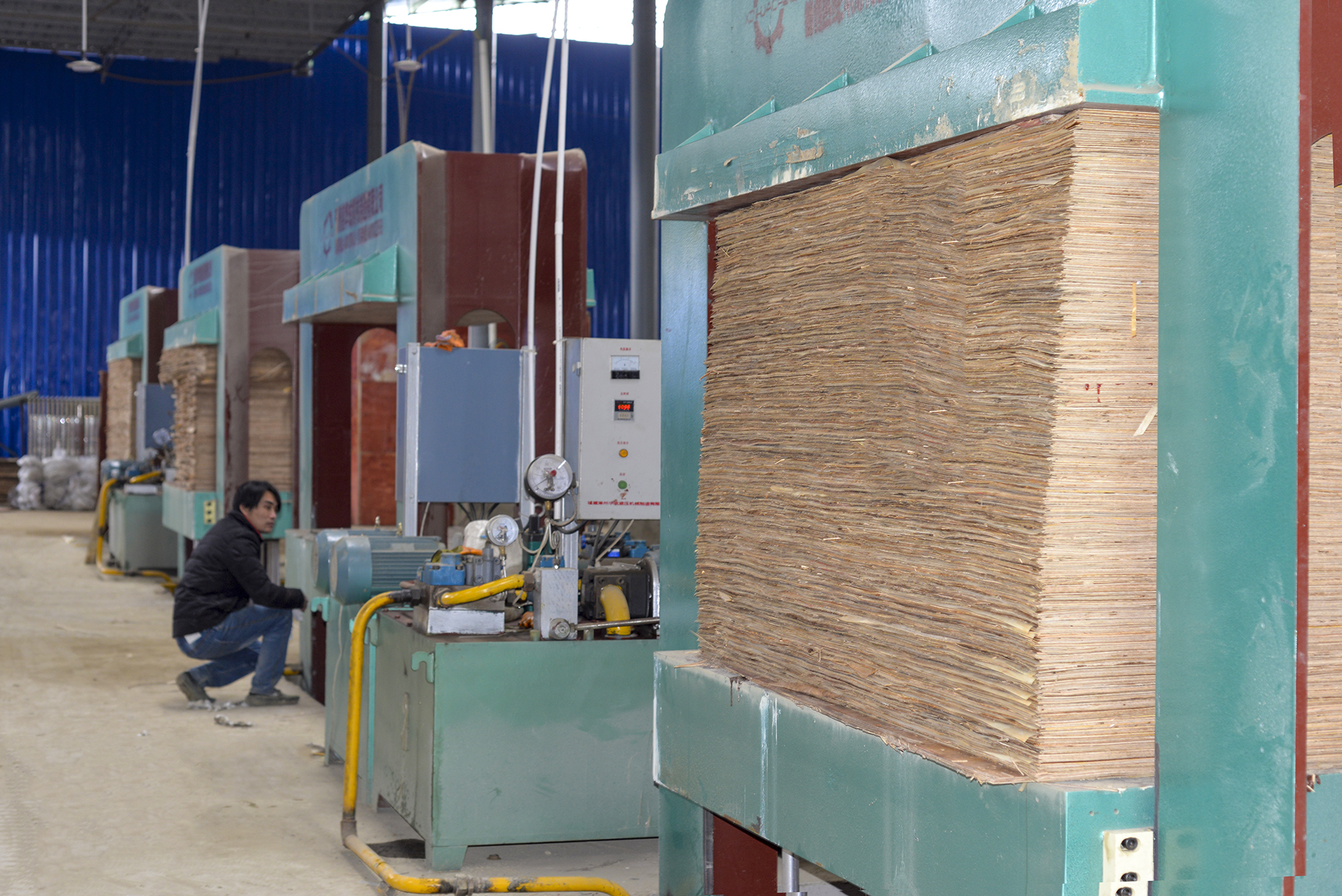 建筑模板生产设备